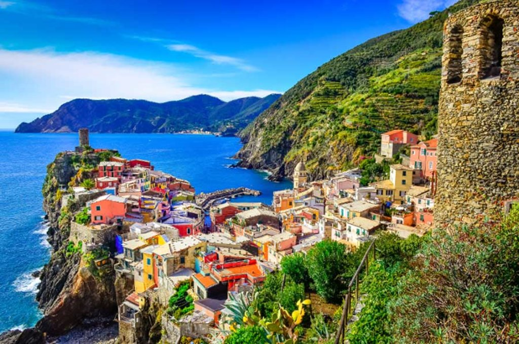 Suggestiva veduta da Vernazza - Photo credit Shutterstock