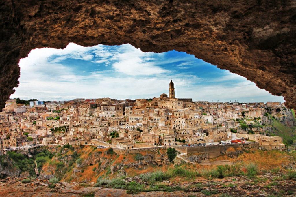 Veduta di Matera - Photo credit Shutterstock