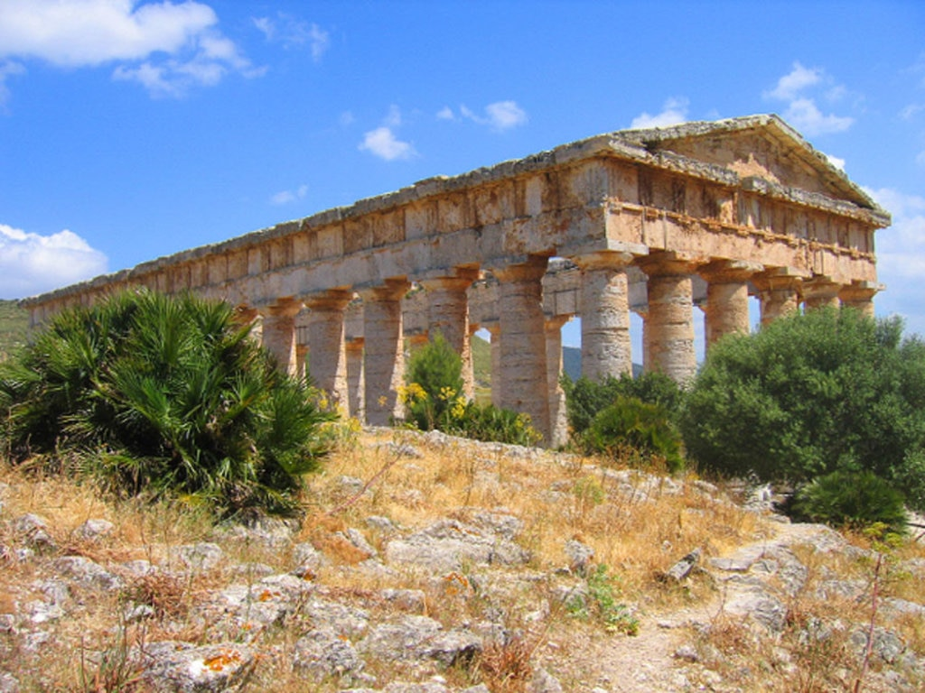 Il Tempio di Segesta - By Guido Radig (Own work)  , via Wikimedia Commons