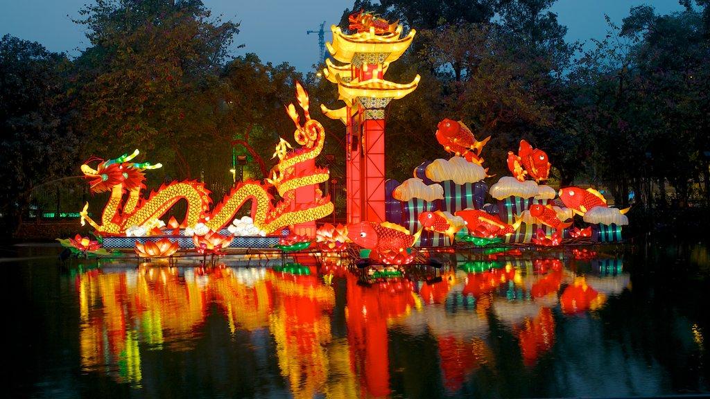 Yuexiu Park featuring night scenes