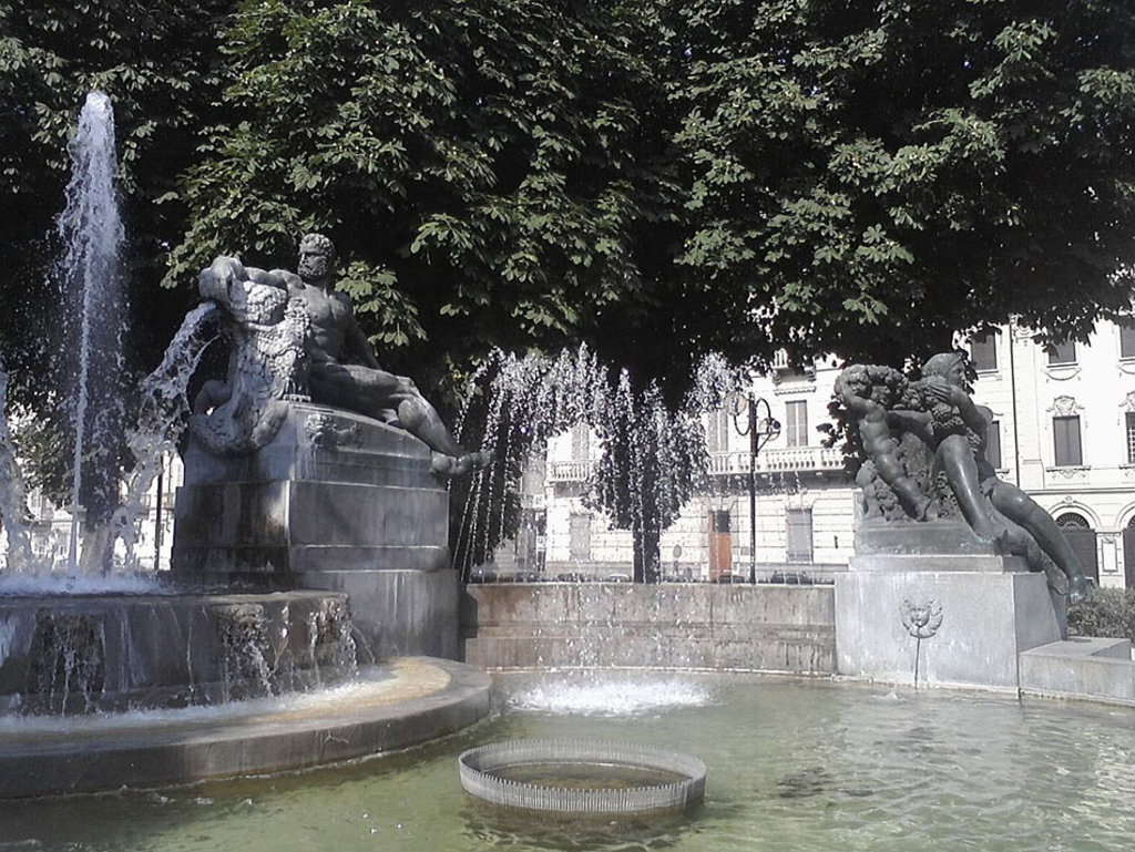 La fontana Angelica a Torino. By MarikaTzz (Own work)  , via Wikimedia Commons