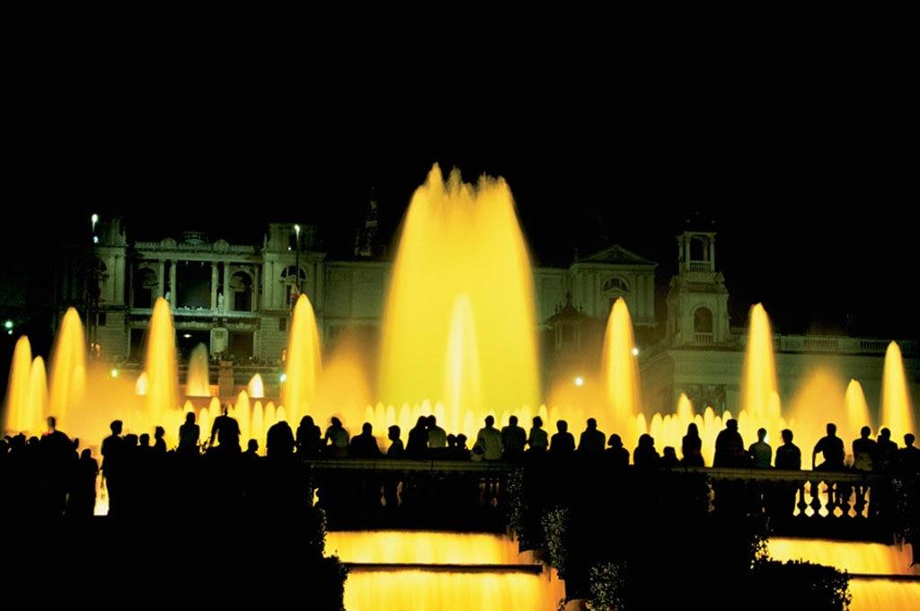 5 I giochi d'acqua della fontana di plaça d'Espanya. Photo credit Getty Images