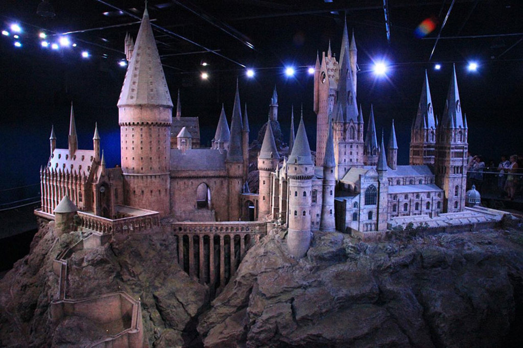 Modello di Hogwarts. By Karen Roe (The Making of Harry Potter 29-05-2012)  , via Wikimedia Commons