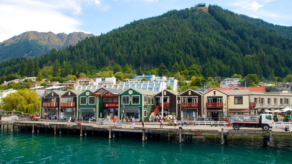 Steamer Wharf featuring general coastal views, street scenes and a coastal town