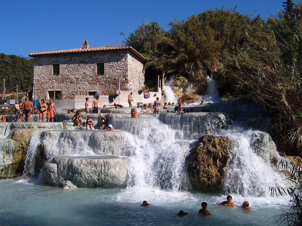 Le terme pubbliche di Saturnia - By Markus Bernet (Own work)  , via Wikimedia Commons