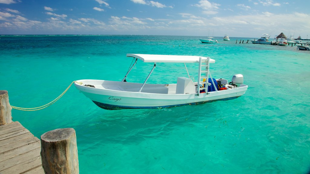 Puerto Morelos showing a bay or harbour and boating