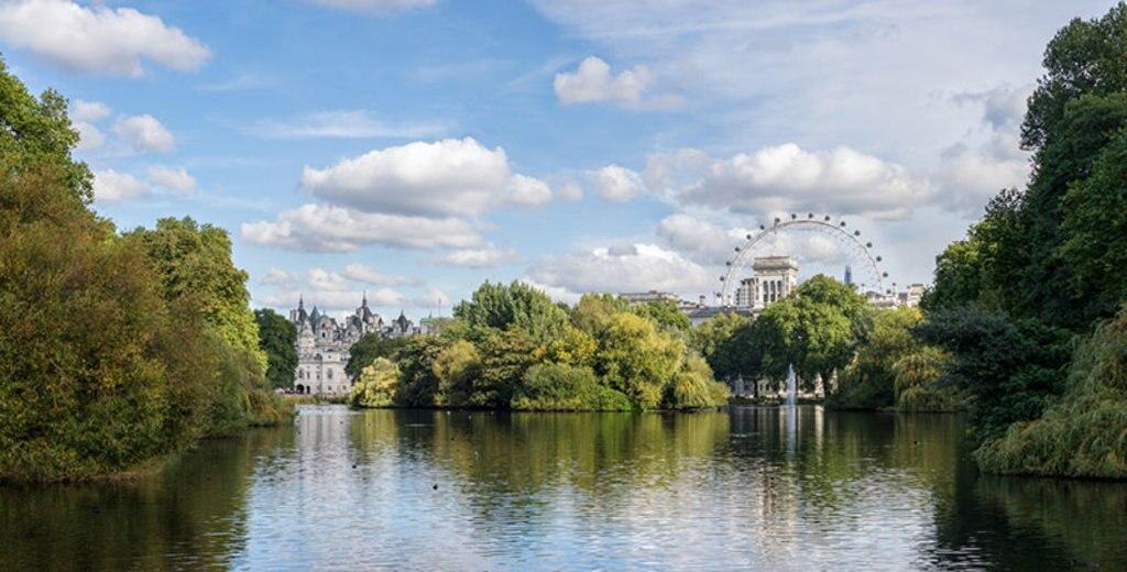 """""""Il St. James's Park è uno spettacolo sia in primavera che in autunno"""" by Colin - Under Creative Commons license CC BY SA-2.0"""
