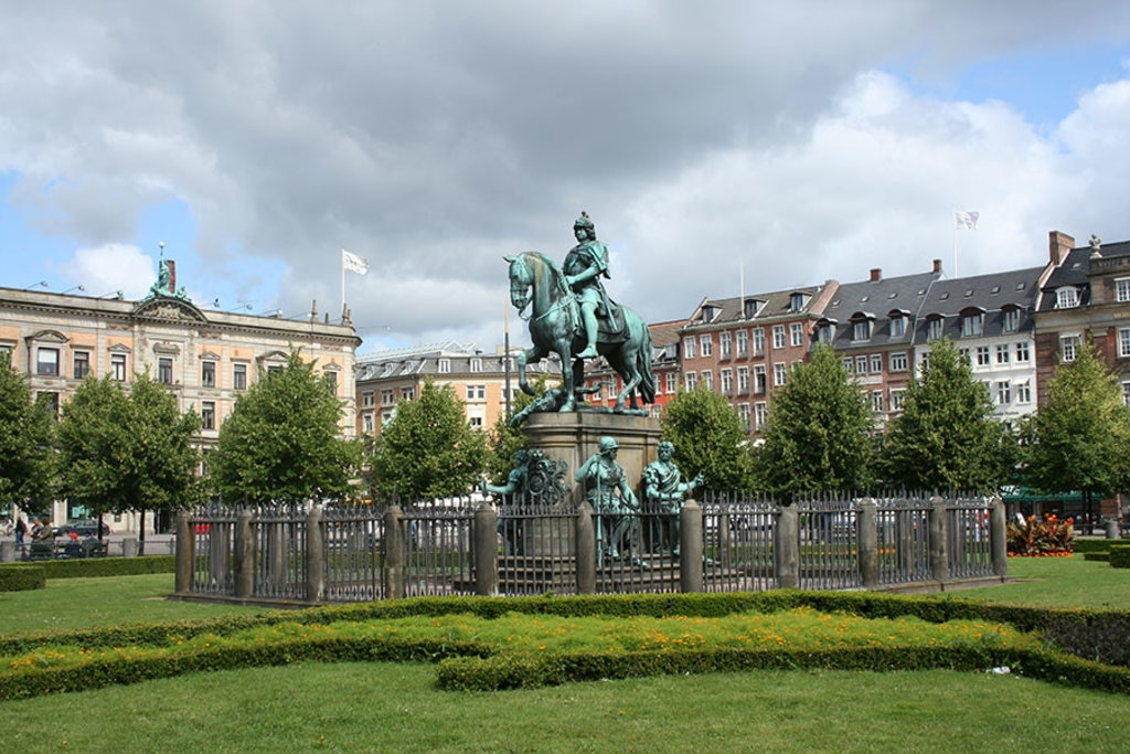 Piazza Kongens Nytorv. Photo credit Shutterstock