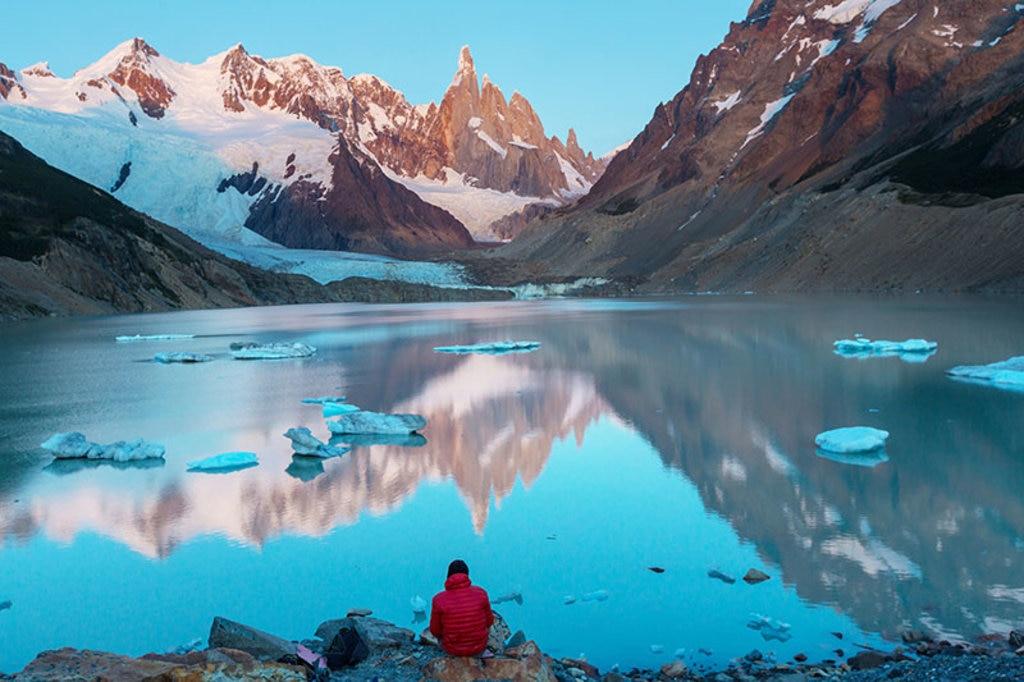 Tra le tappe lungo la Ruta 40, la visita al Parco Nazionale del Torres del Paine dove ammirare la cima del Cerro Torre