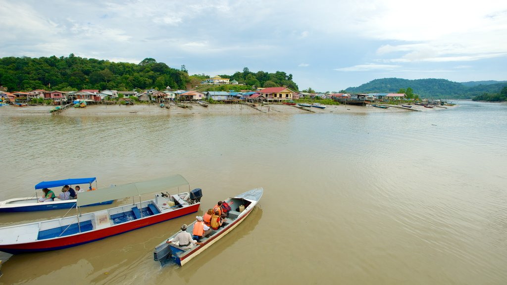 Bako National Park featuring a bay or harbor, a coastal town and boating