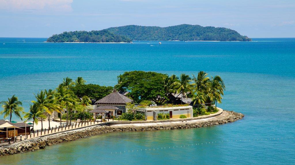 Kota Kinabalu showing a coastal town, tropical scenes and island images