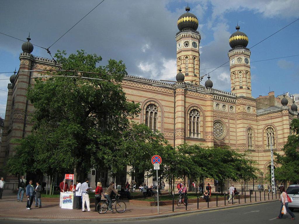 2 La sinagoga di Budapest. CC0 Public Domain