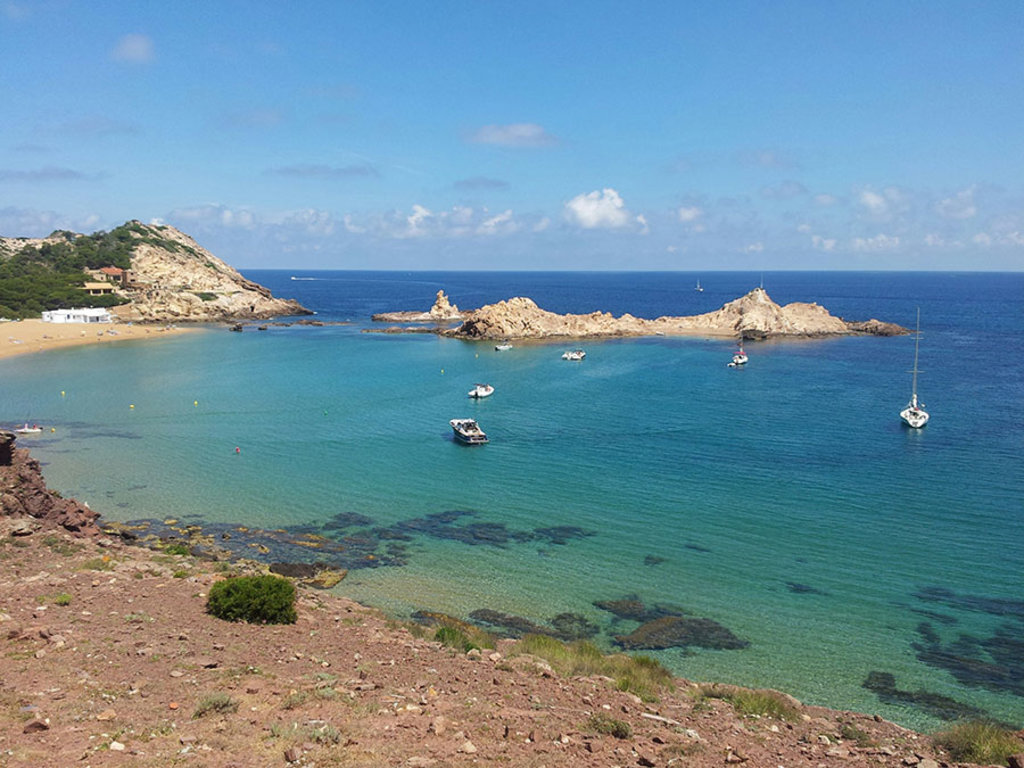 Cala Pregonda, Minorca. By MontanNito (Own work)  , via Wikimedia Commons