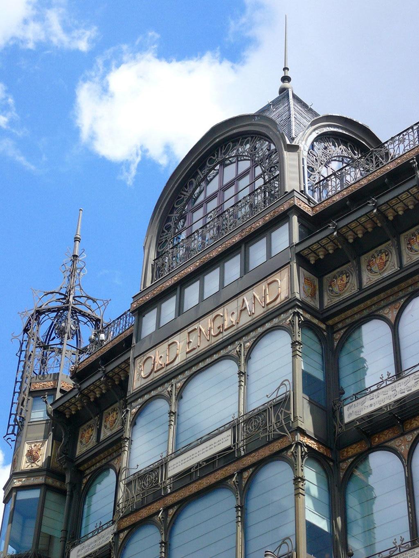 Uno dei più felici esempi di Art Nouveau a Bruxelles. L'edificio Old England è stato realizzato dall'architetto Paul Saintenoy, oggi ospita il Museo degli Strumenti musicali. Photo from Pixabay