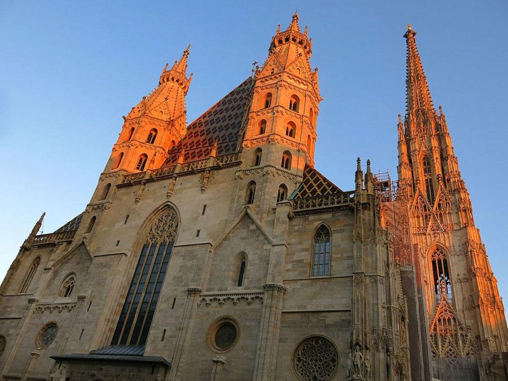 La bellissima cattedrale di Santo Stefano è il duomo di Vienna. Di Anna Saini - Opera propria, CC BY-SA 4.0, https://commons.wikimedia.org/w/index.php?curid=43729484