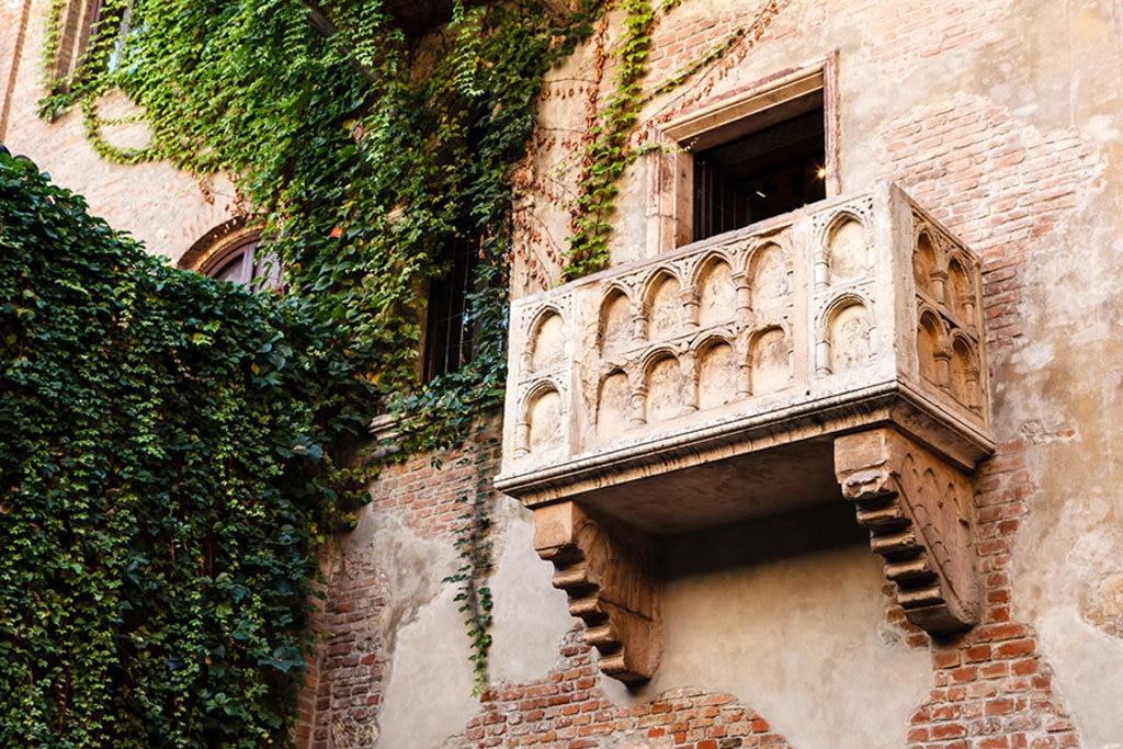 Il celebre balcone di Giulietta. Photo credit: Shutterstock