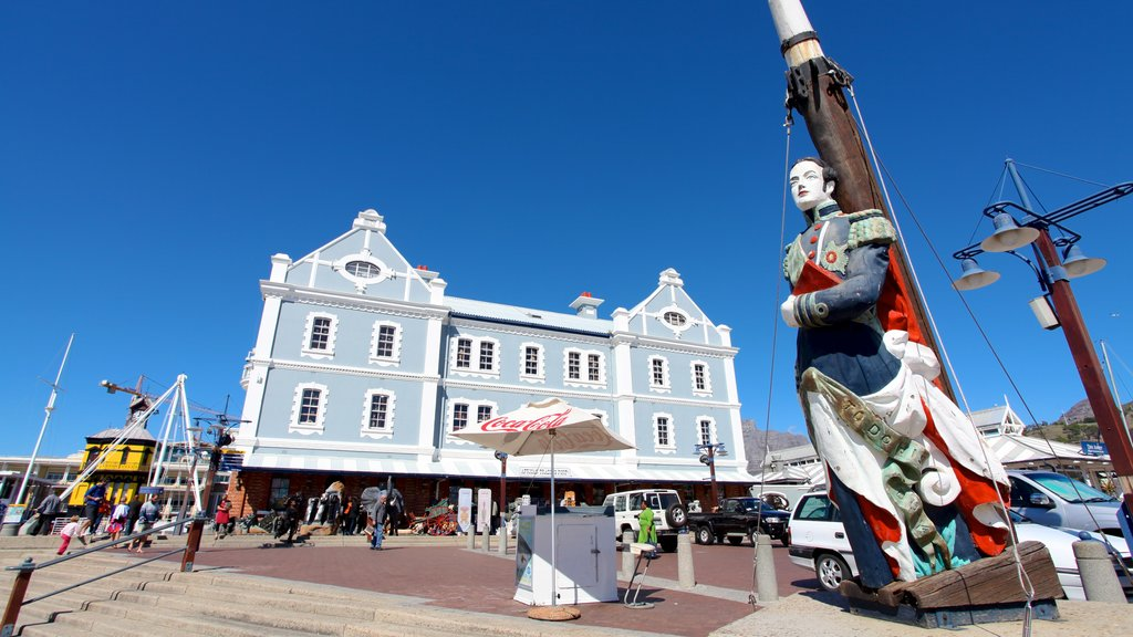 Victoria and Alfred Waterfront featuring a statue or sculpture and heritage architecture