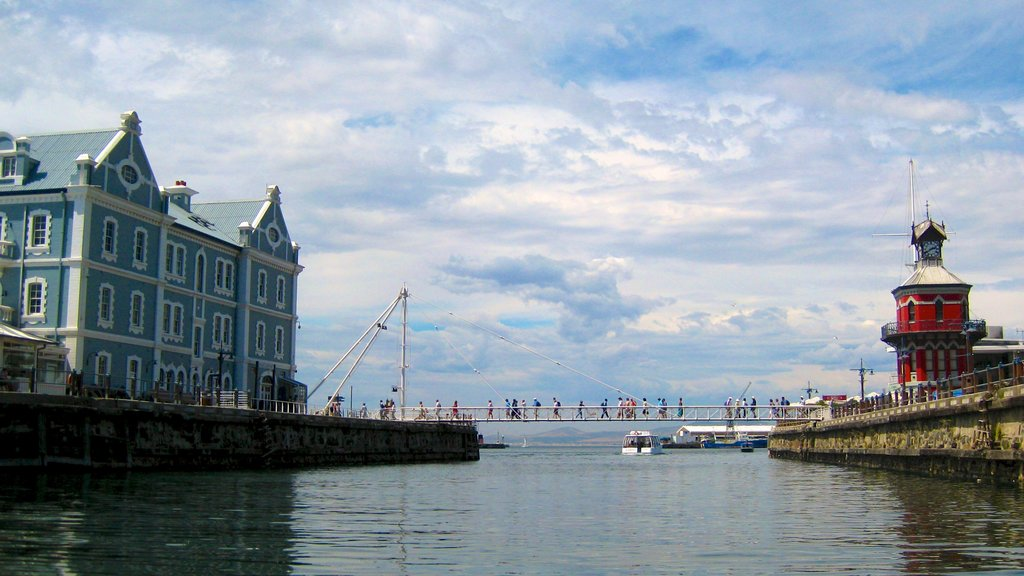 Victoria and Alfred Waterfront which includes a bay or harbor