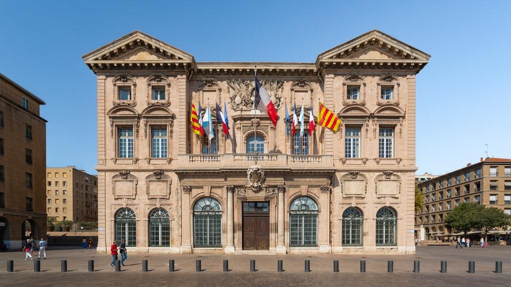Hotel de Ville which includes heritage architecture