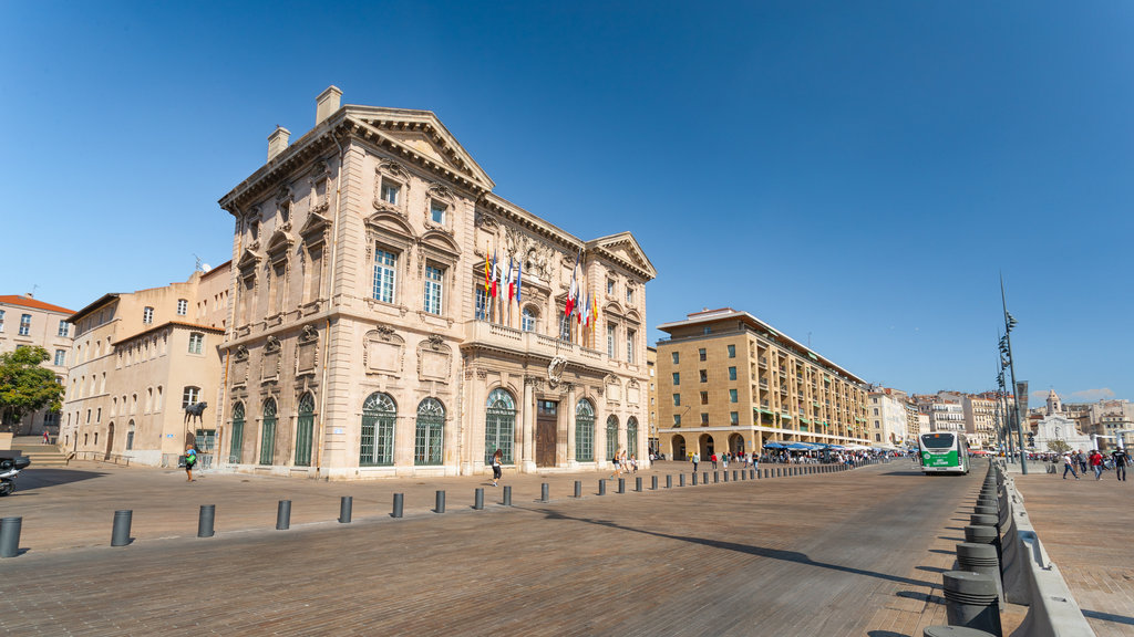 Hotel de Ville which includes heritage architecture