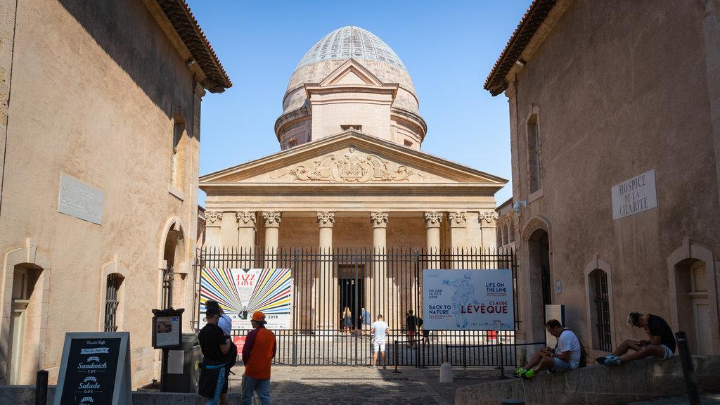 La Vieille Charite which includes heritage architecture