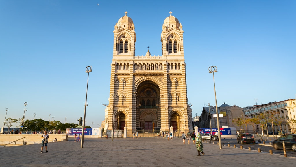 Cathedral la Major which includes heritage architecture and a church or cathedral