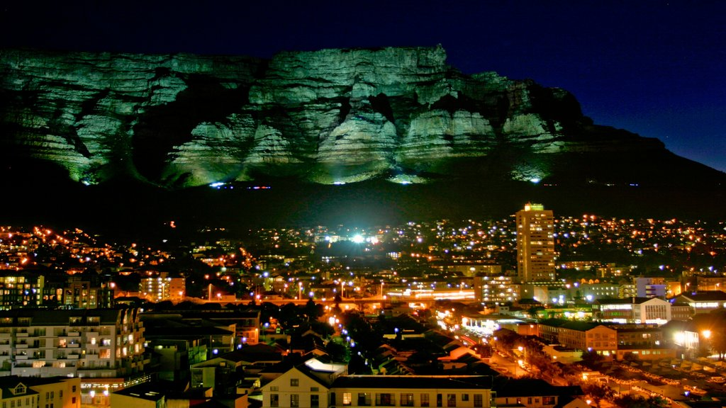 Table Mountain which includes mountains, nightlife and night scenes