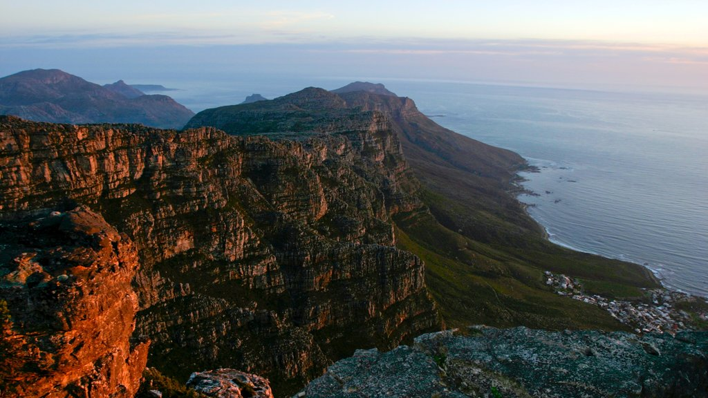 Table Mountain featuring general coastal views, mountains and landscape views