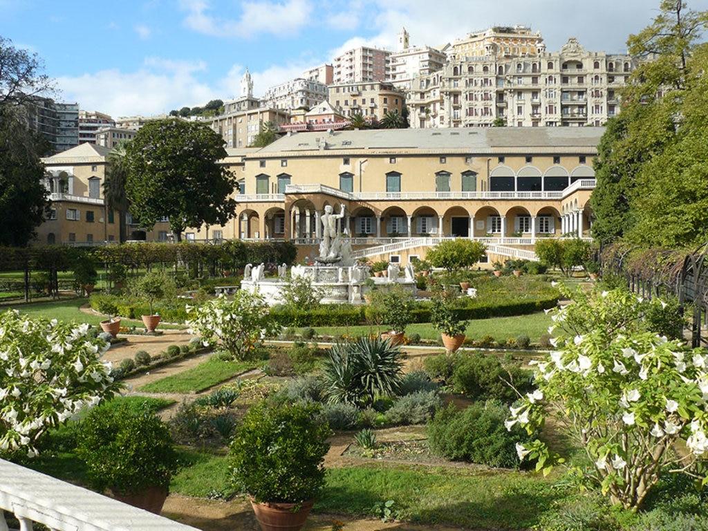 FOTO 4 I giardini di Palazzo del Principe By Fabiola Elle (Own work)  , via Wikimedia Commons