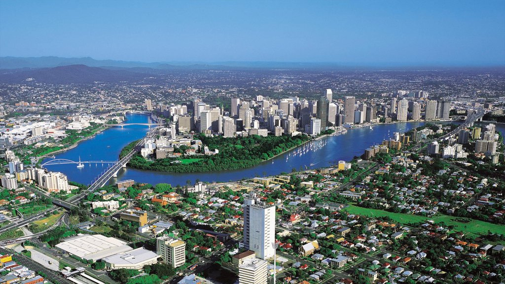 Toowong showing a city and a skyscraper