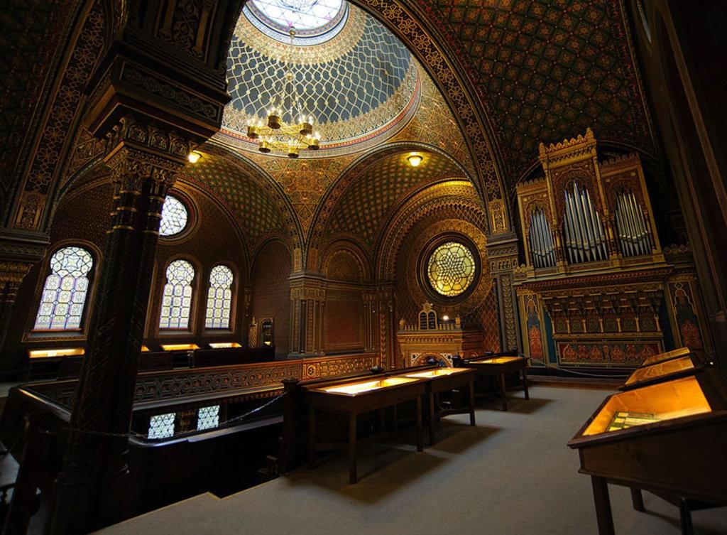 La Sinagoga spagnola è la più recente di Praga, ma tra le più maestose al mondo. Picture by Manuamador (Opera propria)  , via Wikimedia Commons