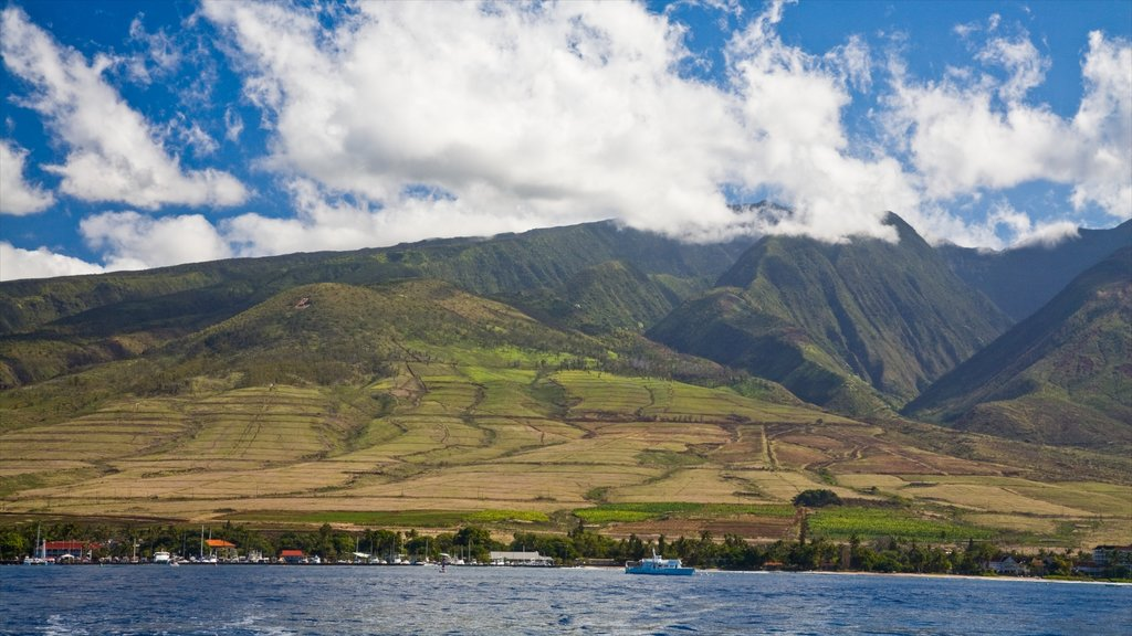 Lahaina showing mountains and general coastal views