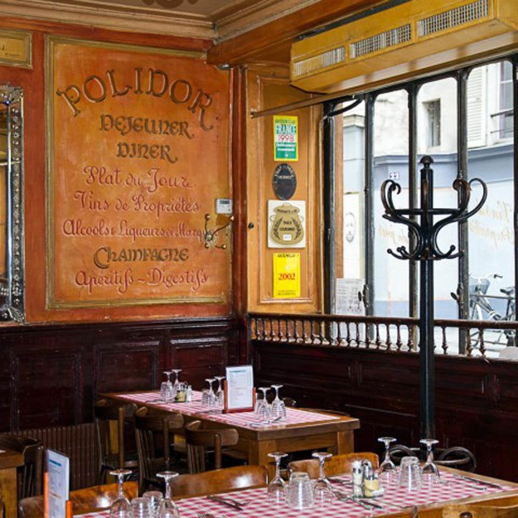 L'interno del ristorante Polidor a Parigi (immagine tratta dal sito www.polidor.fr).