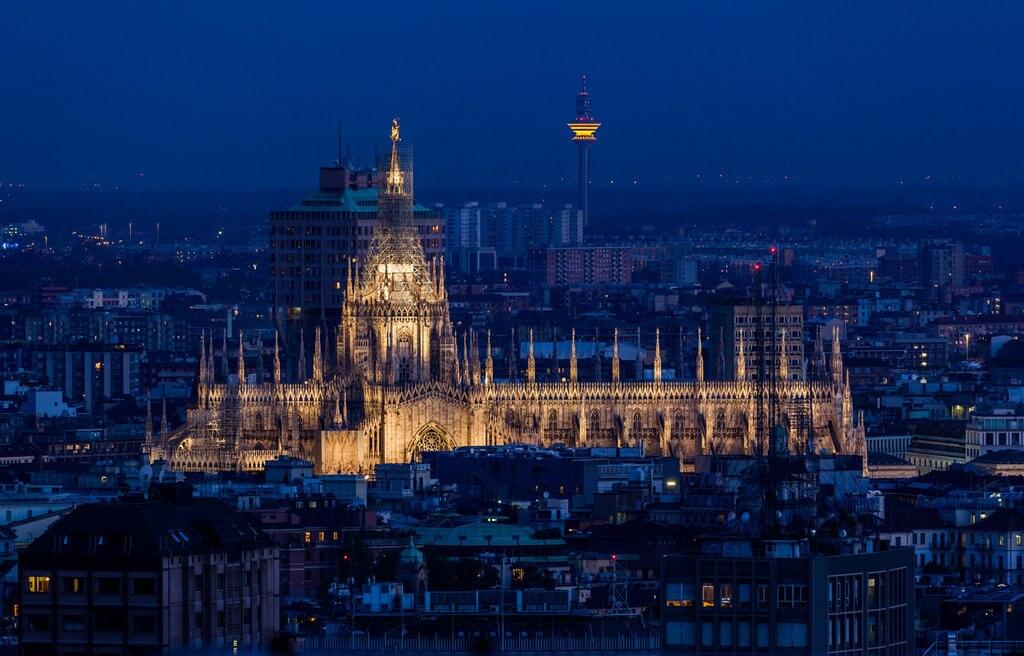 Il Duomo illuminato la notte di Capodanno. Fonte: EDAM