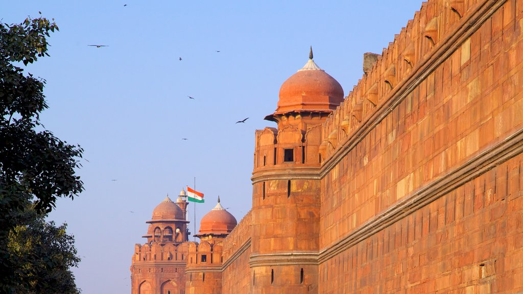 Red Fort which includes heritage architecture and a castle