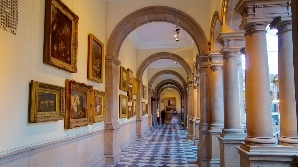 Kelvingrove Art Gallery and Museum showing art and interior views