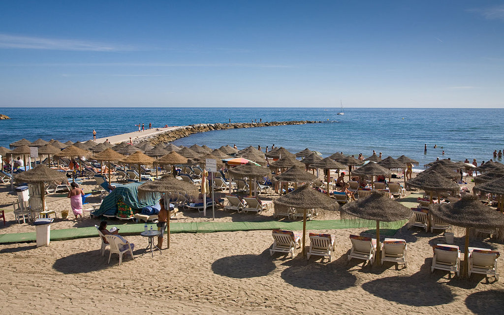 La spiaggia di Marbella - By Diliff - Own work, CC BY-SA 3.0, https://commons.wikimedia.org/w/index.php?curid=8999108