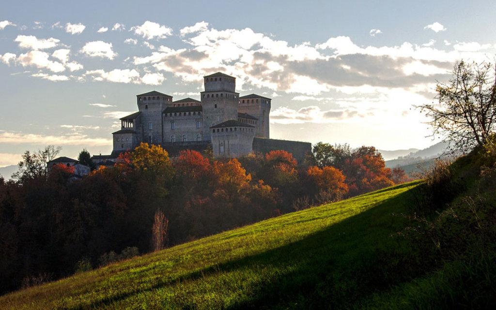 Il celebre Castello Torrechiara di Langhirano - I borghi più belli dell'Emilia Romagna - Photo credit Pixabay