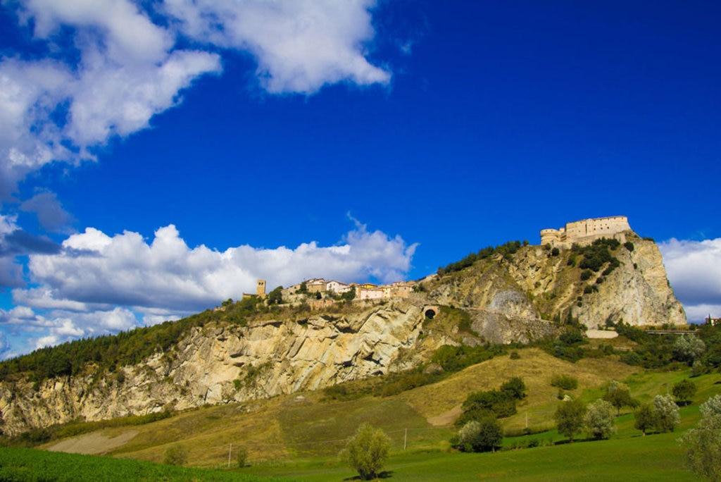 San Leo e la Fortezza di Montefeltro - I borghi più belli dell'Emilia Romagna - Photo credit Pixabay