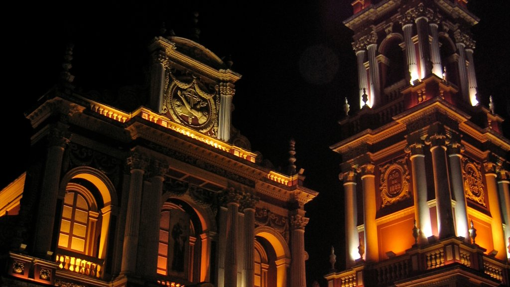 Salta showing night scenes, heritage architecture and a church or cathedral