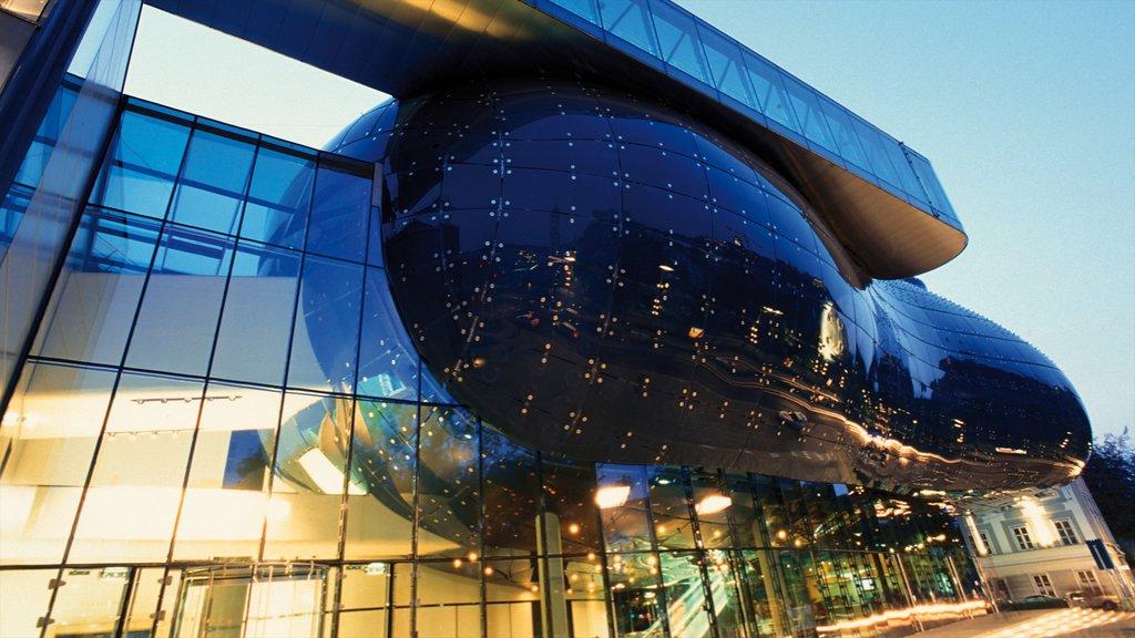 Graz mostrando distrito financiero central, una ciudad y arquitectura moderna