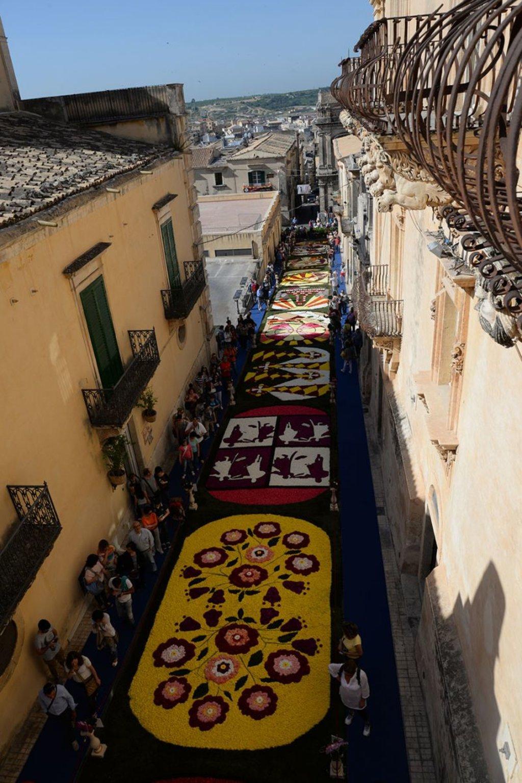 Infiorata di Noto. Courtesy of Ufficio turistico del Comune di Noto