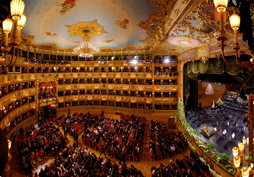 Interno del teatro La Fenice By Youflavio (Own work)  , via Wikimedia Commons