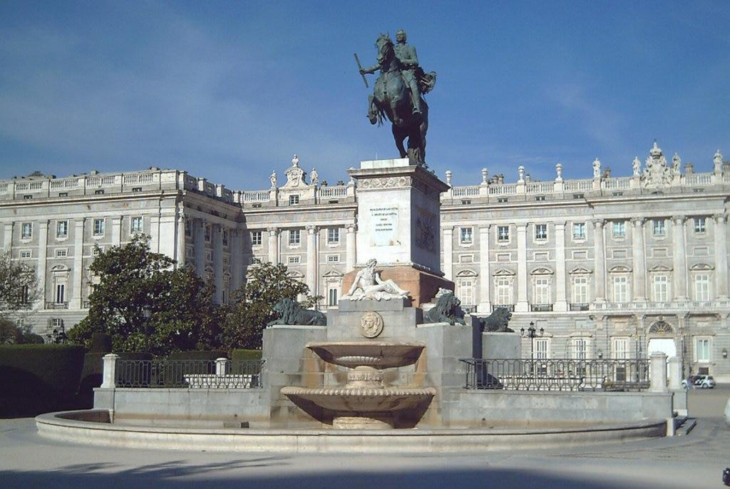 La Plaza de Oriente è l