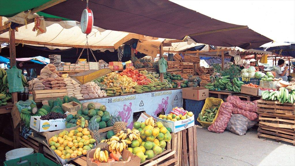 Willemstad ofreciendo mercados, escenas urbanas y comida