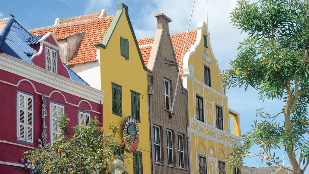 Willemstad ofreciendo patrimonio de arquitectura, una ciudad y una casa