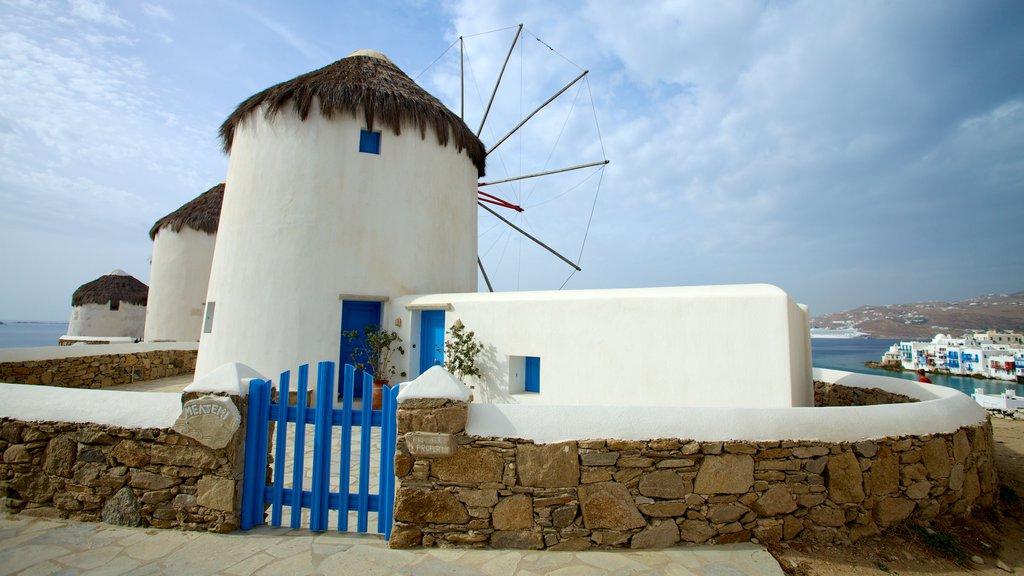 Molinos de Míkonos que incluye patrimonio de arquitectura y un molino de viento