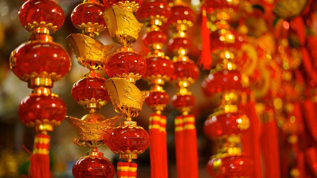Chinatown que incluye vistas interiores