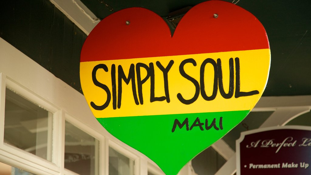 Wailuku featuring signage