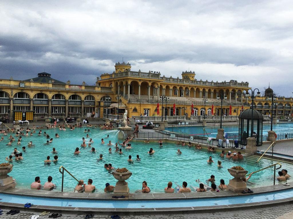Bagni Termali Di Rudas Budapest : Le migliori terme di budapest